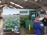 qv-foods-stand-wrap-2